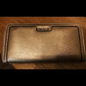 Nine West Zip Around Wallet NEW